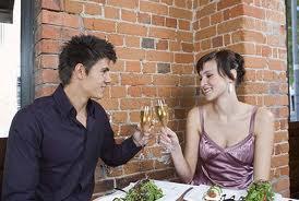 stay-safe-on-first-dates-ku